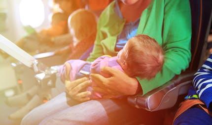 Prendre l'avion avec un nouveau-né