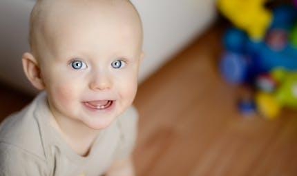 Poussées dentaires : vrai/faux sur les premières dents de Bébé