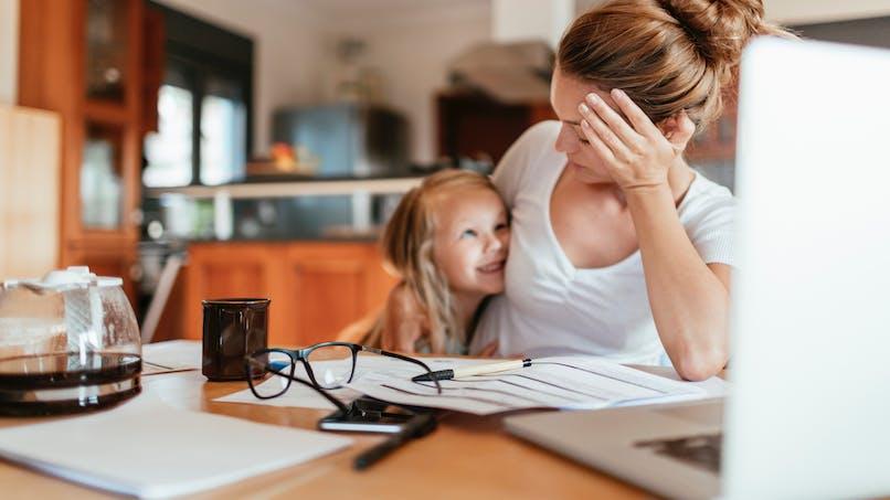 Une mère évoque la culpabilité d'être une maman qui travaille, son message fait le buzz