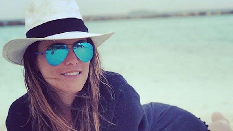 Karine Ferri enceinte et fière de son baby-bump : elle se dévoile en photos