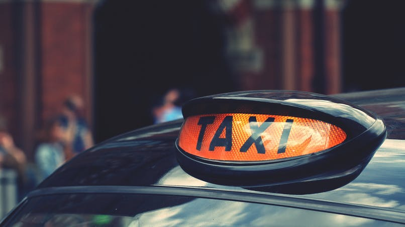 Accouchement : un taxi lui demande 40 £ pour le nettoyage dû à la perte des eaux