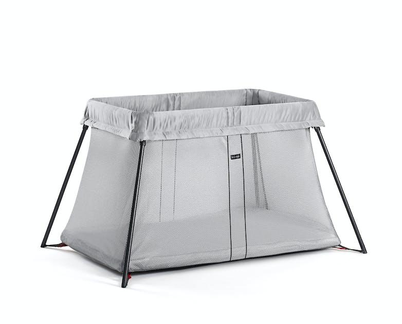 le lit parapluie light de babybjorn. Black Bedroom Furniture Sets. Home Design Ideas