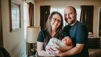 Son bébé est né deux fois : l'incroyable récit d'une jeune maman