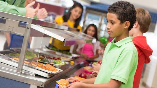 De la viande au menu tous les jours pour 70% des écoliers, est-ce nécessaire?