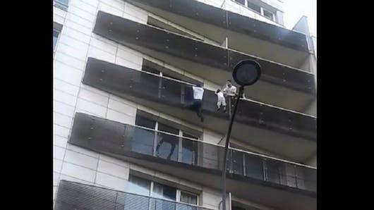 Mamoudou Gassama : l'enfant qu'il a sauvé avait déjà chuté de deux étages !