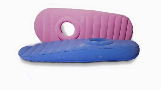 Cozy Bump, un matelas gonflable adapté aux femmes enceintes.