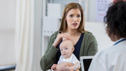 Infection à salmonelle chez le bébé : quels symptômes, quelles précautions ?
