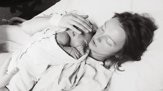 Témoignage : « Après un premier accouchement surmédicalisé, j'ai décidé d'accoucher naturellement »
