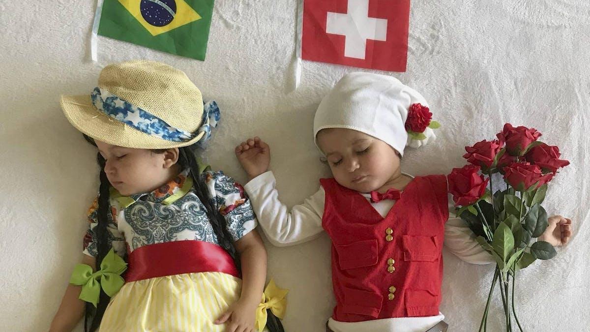 Des bébés déguisés pour les matchs de la coupe du monde de football