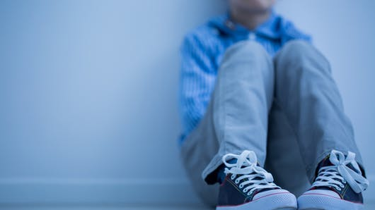 Un petit garçon au cœur d'une escroquerie à la GPA : qui est son père ?