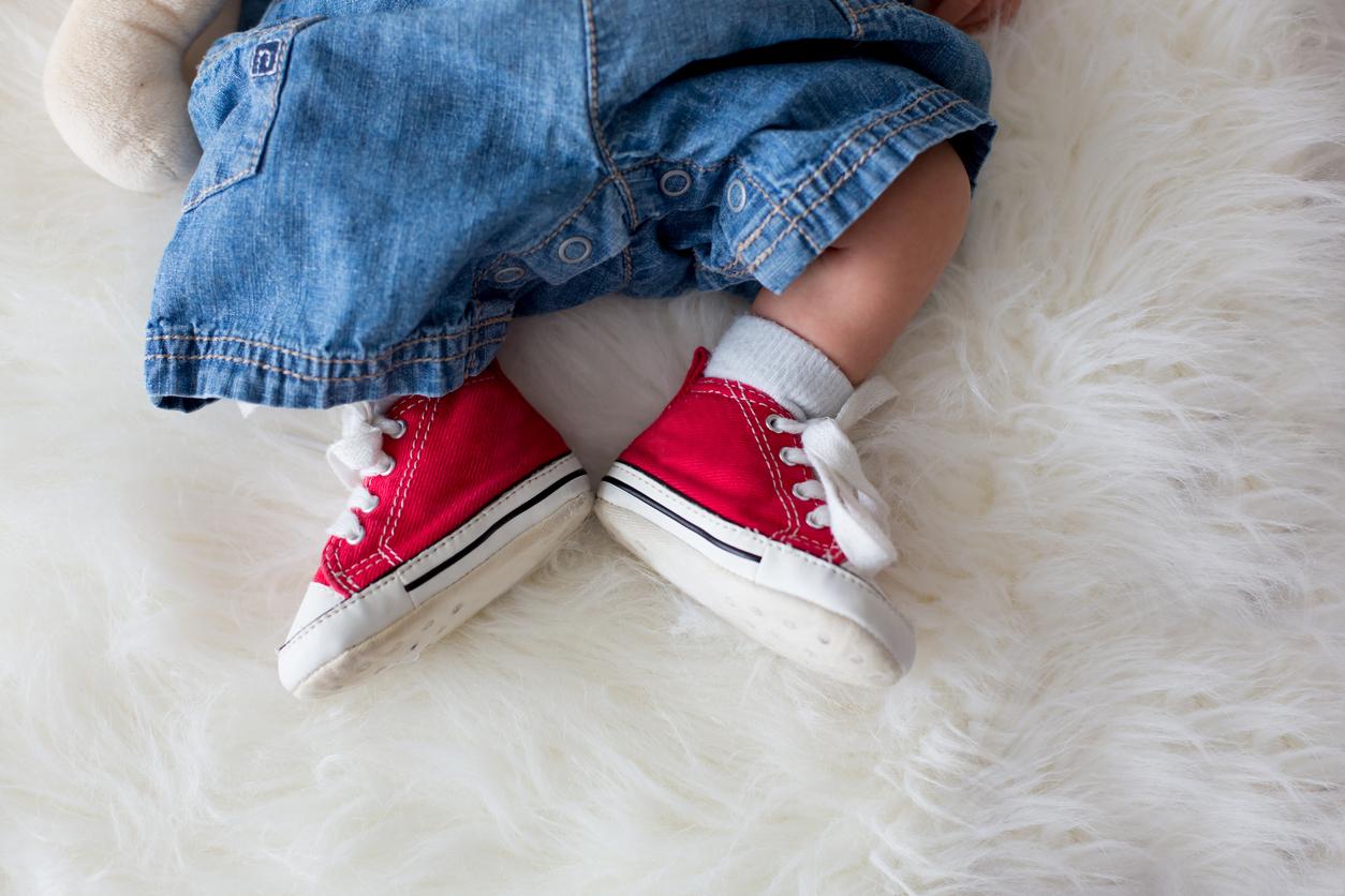 Chaussure bébé : les premières baskets de Bébé |