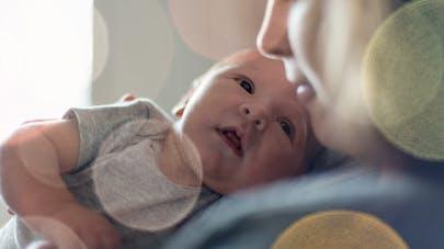 regard du nouveau né