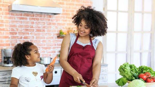 Parents: 5 bonnes habitudes à suivre pour réduire le risque d'obésité chez l'enfant