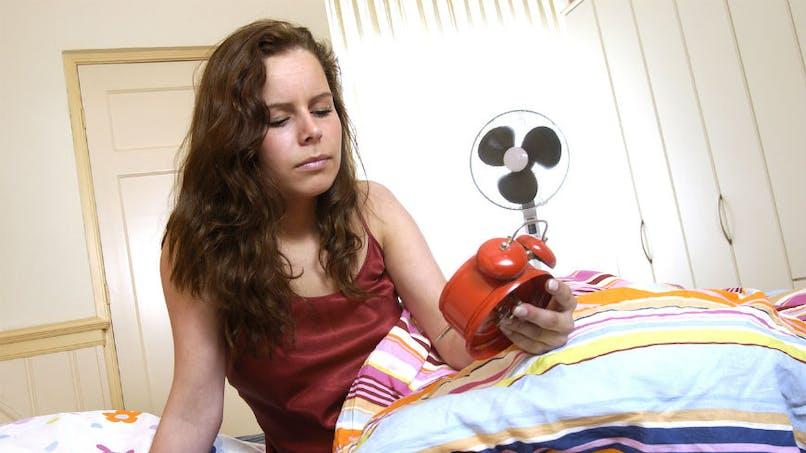 Pourquoi dormir avec un ventilateur la nuit n'est pas forcément une bonne idée