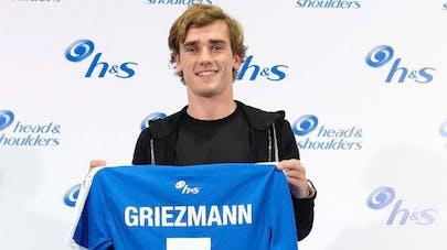 antoine griezmann montre son maillot