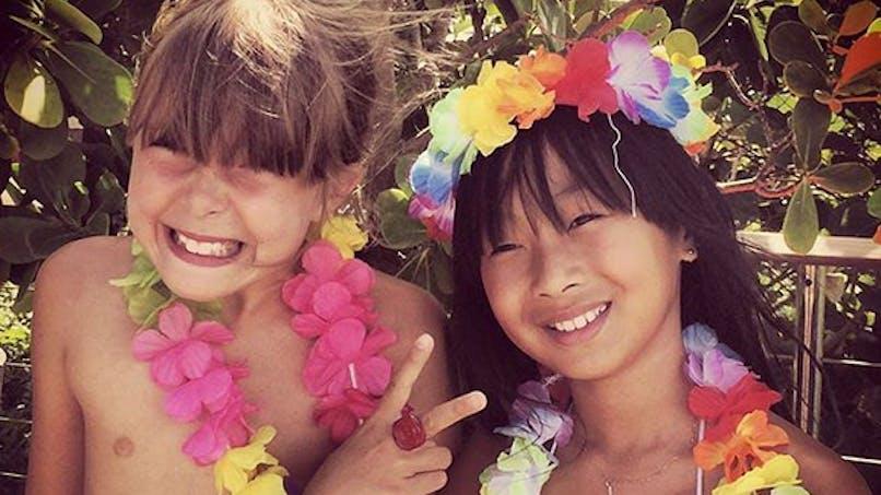 Laetitia Hallyday organise une grande fête d'anniversaire pour ses filles (photos)