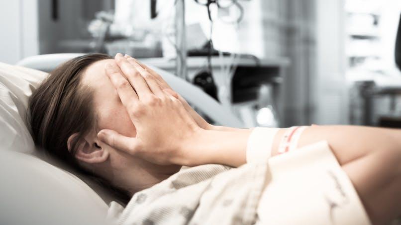Césarienne sans anesthésie : une maman traumatisée raconte