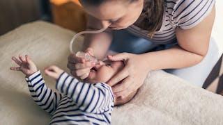 Kiné respiratoire pour bébé : comment la pratiquer à la maison