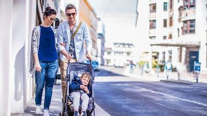 une famille en ville