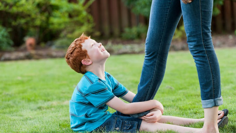"""Pourquoi les enfants sont-ils de vrais """"pots de colle"""" pendant les vacances ?"""