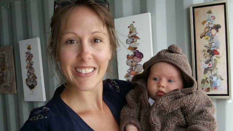 Une crèche lui suggère d'habiller son bébé en fille, elle réplique !