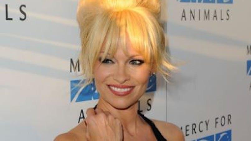 Pamela Anderson envisagerait d'être de nouveau maman à 51 ans