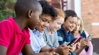 enfants et téléphones portables