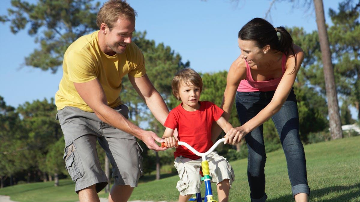 """Education : après les parents """"hélicoptères"""", découvrez les parents """"tondeuse"""""""