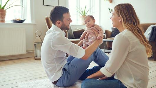 Un congé obligatoire pour le 2e parent : l'appel de 160 personnalités et anonymes