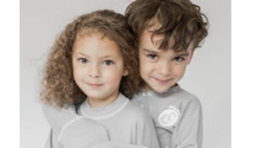 Eczéma, psoriasis: des vêtements adaptés aux enfants qui se grattent