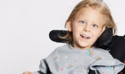 Enfant handicapé: Marks & Spencer crée une ligne de vêtements faciles à enfiler
