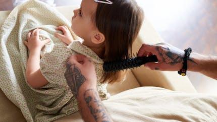 Coiffure enfant : comment démêler leurs cheveux sans  larmes
