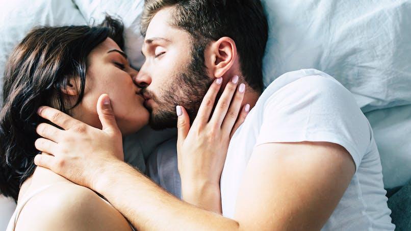 Ces habitudes avant d'aller se coucher qui peuvent gâcher votre vie sexuelle