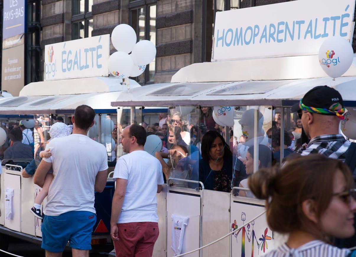 recherche rencontre gay writer a Saint-Etienne-du-Rouvray