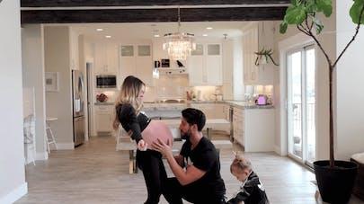 L'impressionnante danse d'une maman enceinte de triplés pour induire le travail (vidéo)