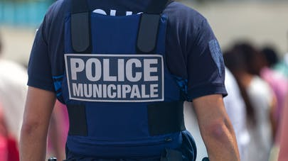 Violences scolaires : bientôt des policiers dans certains établissements ?