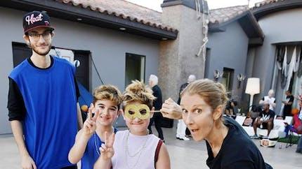 Pourquoi Céline Dion a donné une éducation non-genrée à ses fils (vidéo)