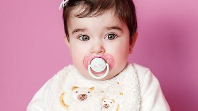 faut il sucer la tétine de bébé