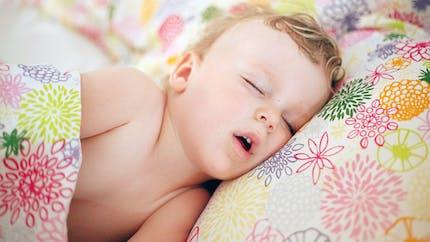 Pourquoi est-ce mauvais de dormir la bouche ouverte ?