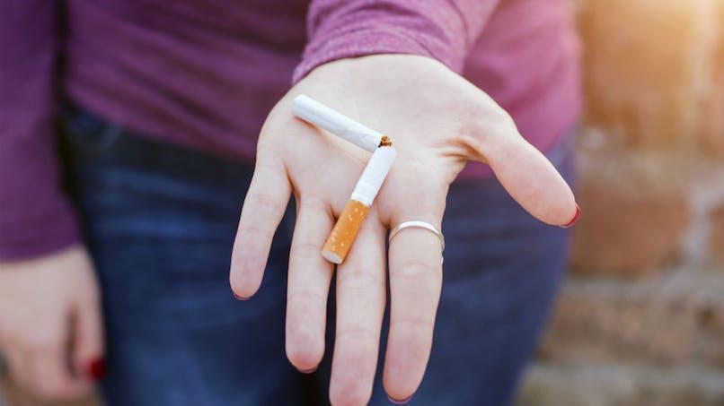 Paquets de tabac neutres : une politique efficace chez les adolescents