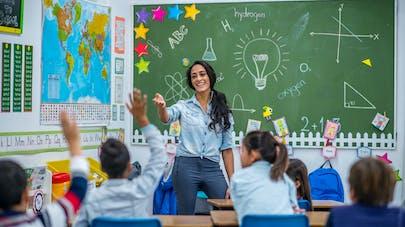 enseignante à l'école