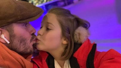 david beckham embrasse sa fille sur la bouche