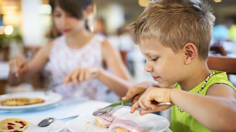 Une étude révèle quelles sont les substances chimiques présentes dans l'alimentation de bébé