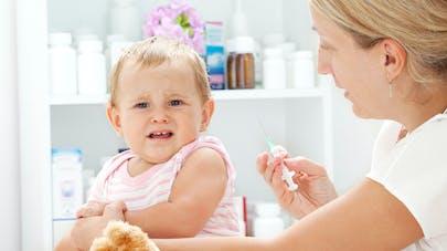 Piqûre, vaccin : comment réduire la douleur chez bébé