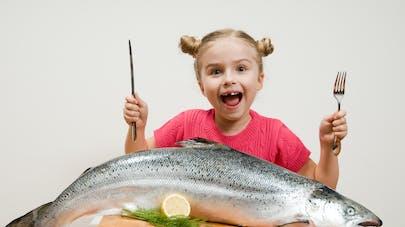 enfant et poisson
