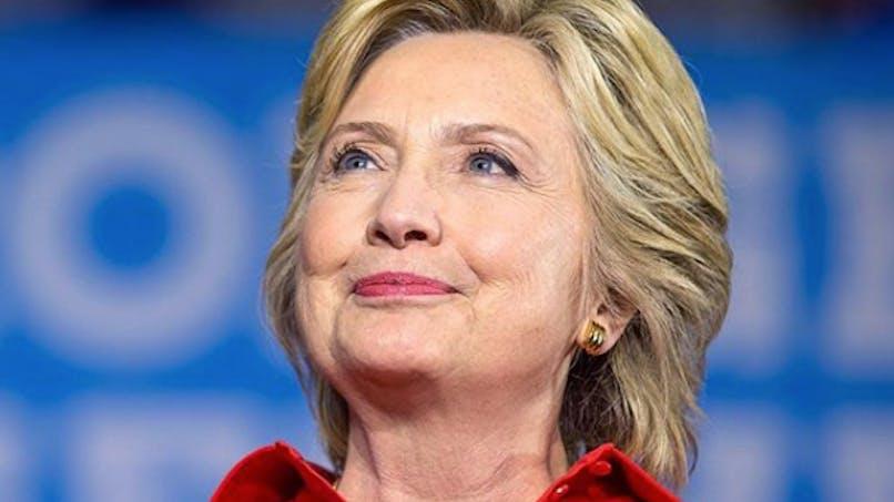 Hillary Clinton console une petite fille de 8 ans qui a perdu une élection