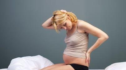 femme douloureuse pendant la grossesse