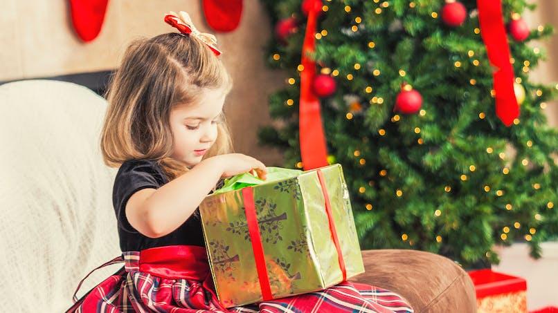 Témoignage: Je gâte ma fille à Noël et j'assume !