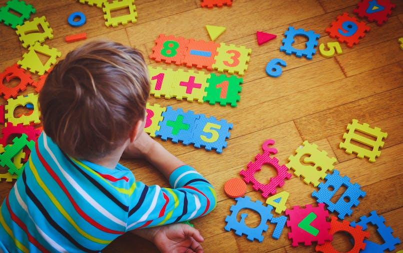 Mathématiques, lecture : la curiosité intellectuelle et la confiance en soi aideraient à progresser