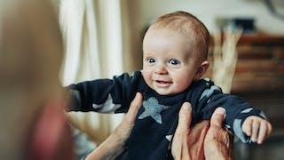 Conge Parental Demarches Et Remunerations Parents Fr
